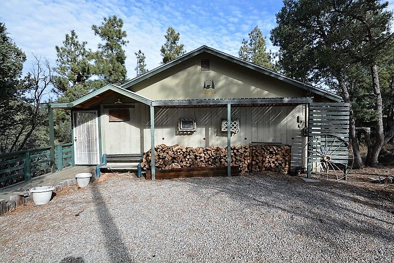 Bare bear king beds hot tub wifi ruidoso new mexico for 6 bedroom cabins in ruidoso nm