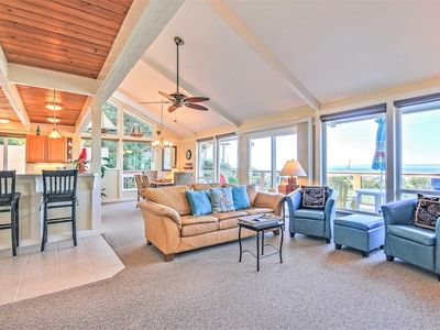 Photo for Professionally Decorated Home with fantastic Ocean Views!