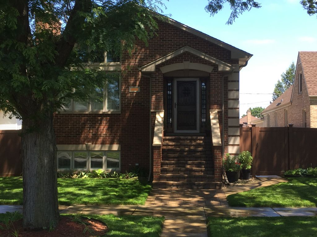 Private in law suite near ohare rosemont river grove for Inlaw suites for rent near me