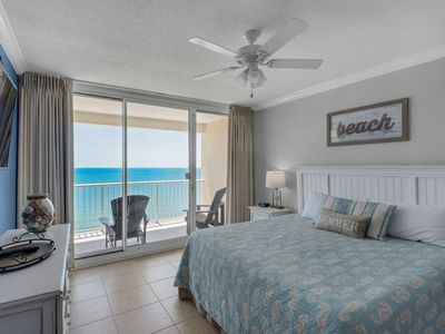 Photo for Stunning Unit 19th Floor.  4 bedroom! Sleeps 10. Newly renovated Wifi Tickets to GulfWorld Majestic