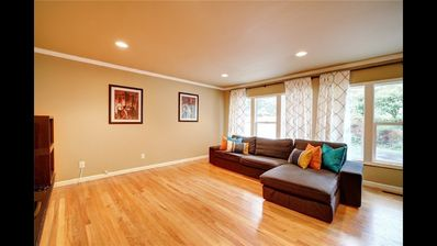 Photo for Lovely 4 bedroom house Bellevue downtown