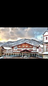 Photo for ZERMATT RESORT BY WYNDHAM--KING SUITE ONLY 15 MINS FROM PARK CITY