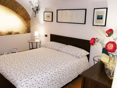 Photo for Art, history and tradition. Two-room apartment with wifi in the heart of Naples