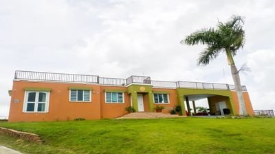 4 BEDROOM HILLTOP VIEW HOME WITH PRIVATE POOL