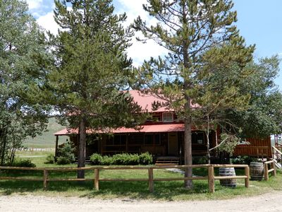 Authentic, charming Western Ranch