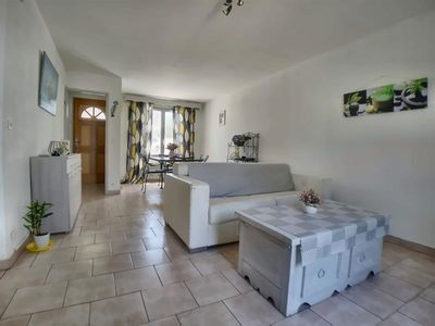 Photo for Villa Saintes-Maries-de-la-Mer, 3 bedrooms, 6 persons