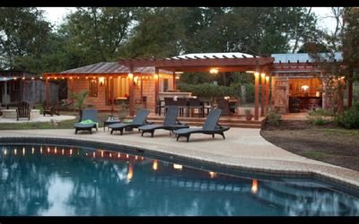 Photo for Newly renovated home, Amazing outdoor space!