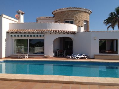 Photo for Detached villa with private swimming pool, airconditioning, wifi, roof terrace