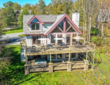 Photo for Fabulous 4 Bedroom luxury ski in/ ski out home with hot tub!