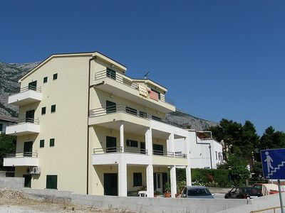 Photo for Apartment 757 m from the center of Makarska with Parking, Internet, Washing machine, Air conditioning (113911)