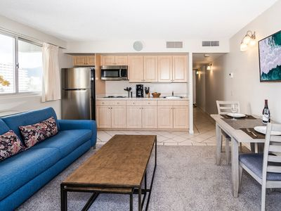 Photo for City View Condo Close to Beaches, Private Pool, and Free Wifi!