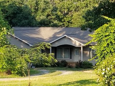 Photo for Spacious, Comfortable Home 20 minutes from Tryon Equestrian Center & Lake Lure!