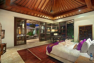 Book 3 BR Stay at Large 4 BR Luxe Villa