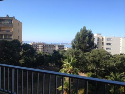 Photo for 2p in conditioned city, sea view, with veranda, lift and parking and bus