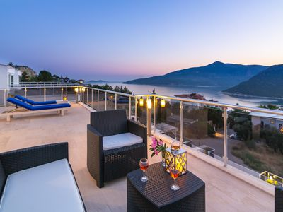 Photo for Magnificent Private Villa with Heated Pool, Boutique Spa and Spectacular Views.