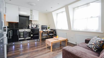 Photo for Bright 2 bedroom apartment in Westfield