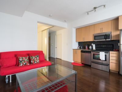 Photo for Stylish & Central Condo 1 min from Union Station!!