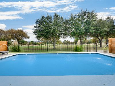 Photo for Within Dallas Loop! Gorgeous Pool & Cabana, Golf Course View & Pet Friendly!