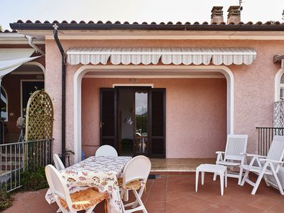 Photo for Holiday home with roof terrace and sea view - Appartamento Le Saline