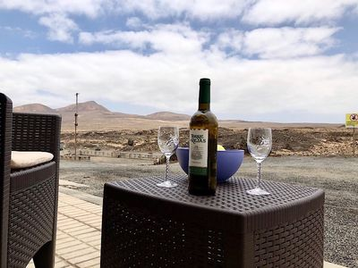 Photo for Apartment Oleada with sea views and wifi on the seafront in Caleta de Caballo