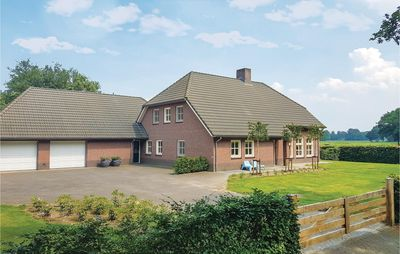 Photo for 6 bedroom accommodation in Leende