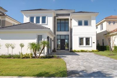 Stunningly Modern Contemporary Villa with Golf Course View. - Reunion