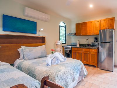Photo for Cozy studio with all the extras. Fully equipped kitchen, TV, free wifi, pool.