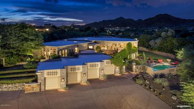 Photo for Mansion in the hills of Paradise Valley 5 Bed 6 Bath retreat sanctuary.MUST SEE!