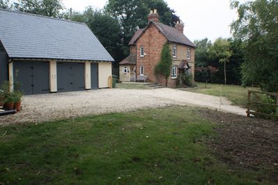 3 BED DETACHED  COTTAGE - £140 GBP A NIGHT - MINIMUM 3 NIGHT