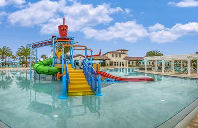 Photo for Disney dream townhouse wl pool-near Disney/walking distance to club house!