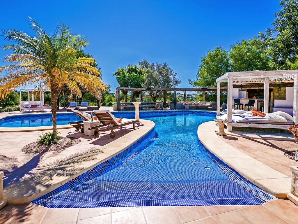 Luxury 5 Star Property with 16x8mtr Swimming Pool, Private Tennis Court -  Benissa