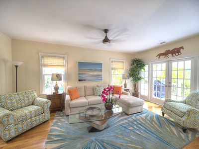 Photo for The perfect location for walking to Duval Street but also enjoy a peaceful stay