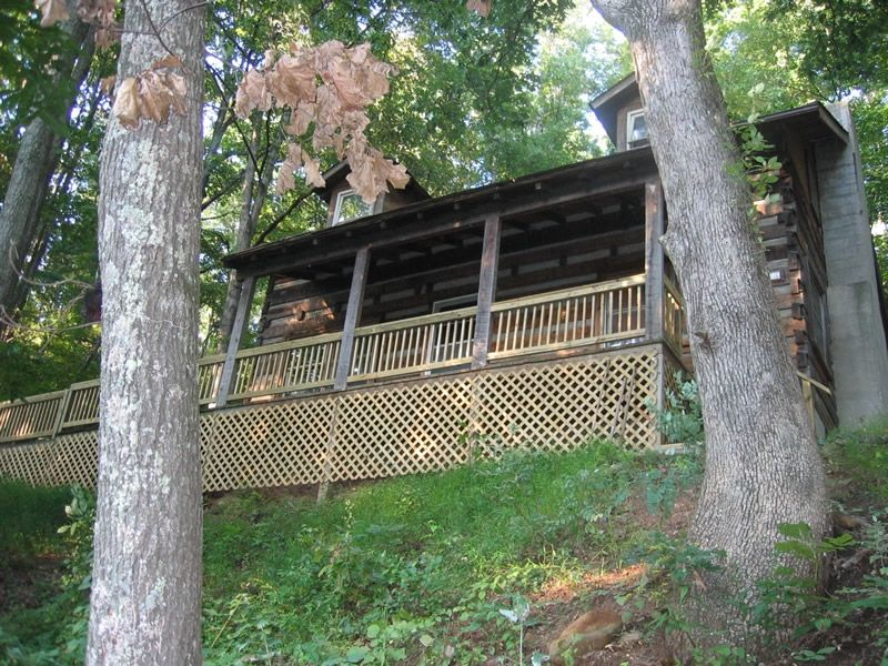 Spivey Mountain Cabin With Hot Tub, Mountain Views, Close to Downtown