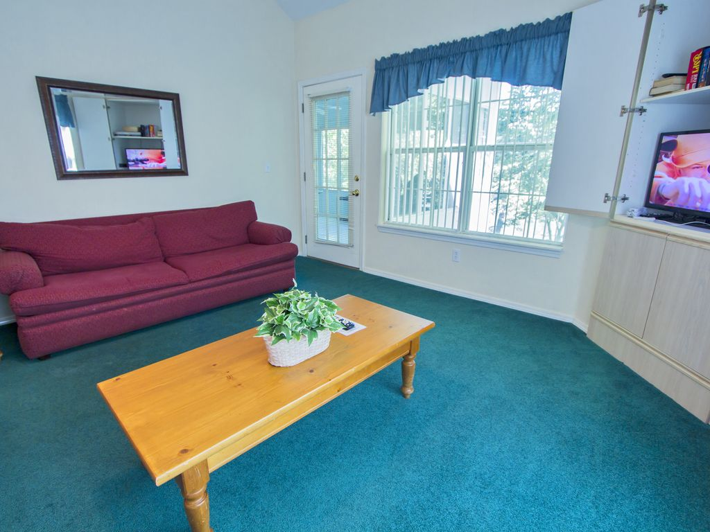 Fall Into Branson A Delightful 3 Bedroom 3 Bath Condo On Lake Taneycomo Point Lookout