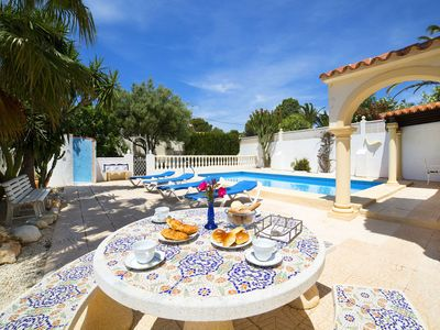 Photo for Wonderful private villa for 6 guests with A/C, private pool, WIFI, TV and parking