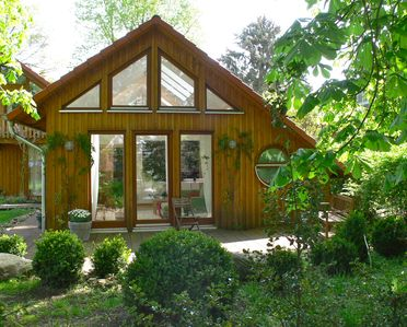 Photo for Holiday House under the chestnut trees in the quiet resort Worpswede