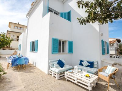 Photo for 4 bedroom Villa, sleeps 9 with FREE WiFi and Walk to Beach & Shops