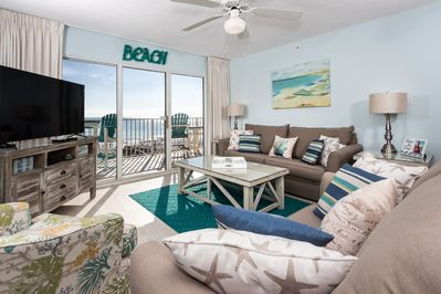 Gulf Dunes 301 is an upgraded masterpiece! - Lots of seating for all guests in the bright beach front living room