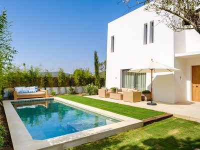 Photo for Modern house in the center of Santa Gertrudis