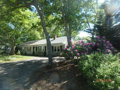 Minutes to Craigville Beach! Beautiful Home, Central AC, Wi-Fi & Free Beach Pass