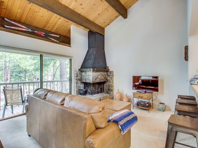Photo for Comfy condo w/ shared pool, tennis - walk to town & Lake Tahoe, close to slopes!