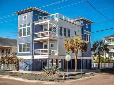 Photo for The Jolly Jellyfish: Gorgeous custom home, roof top deck, luxury style, views!
