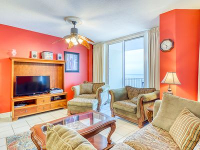 Photo for Central, beachfront condo w/ balcony, jetted tub & shared pools/hot tubs!