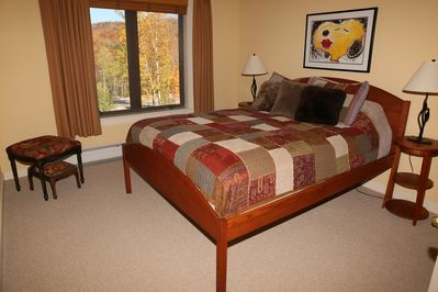 Queen Guest Bedroom with private bath