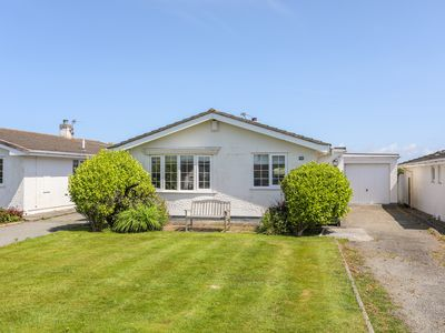 Photo for CWTCH COTTAGE, family friendly in Rhosneigr, Ref 1013782