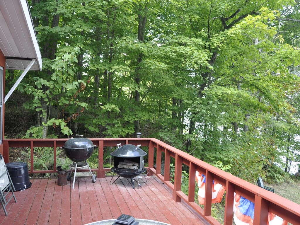 newly renovated cottage with private scenic setting on peaceful