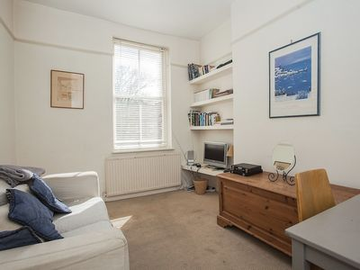 Photo for Bright 1 Bedroom Flat in Oval