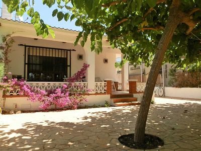 Photo for CASA PALOMETA,Ideal house for your holidays near the sea, free wifi, air conditioning, pets allowed, dog's beach.