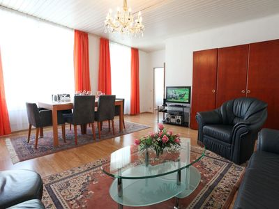 Photo for Spacious Mozart XV apartment in 05. Margareten with WiFi, air conditioning & lift.