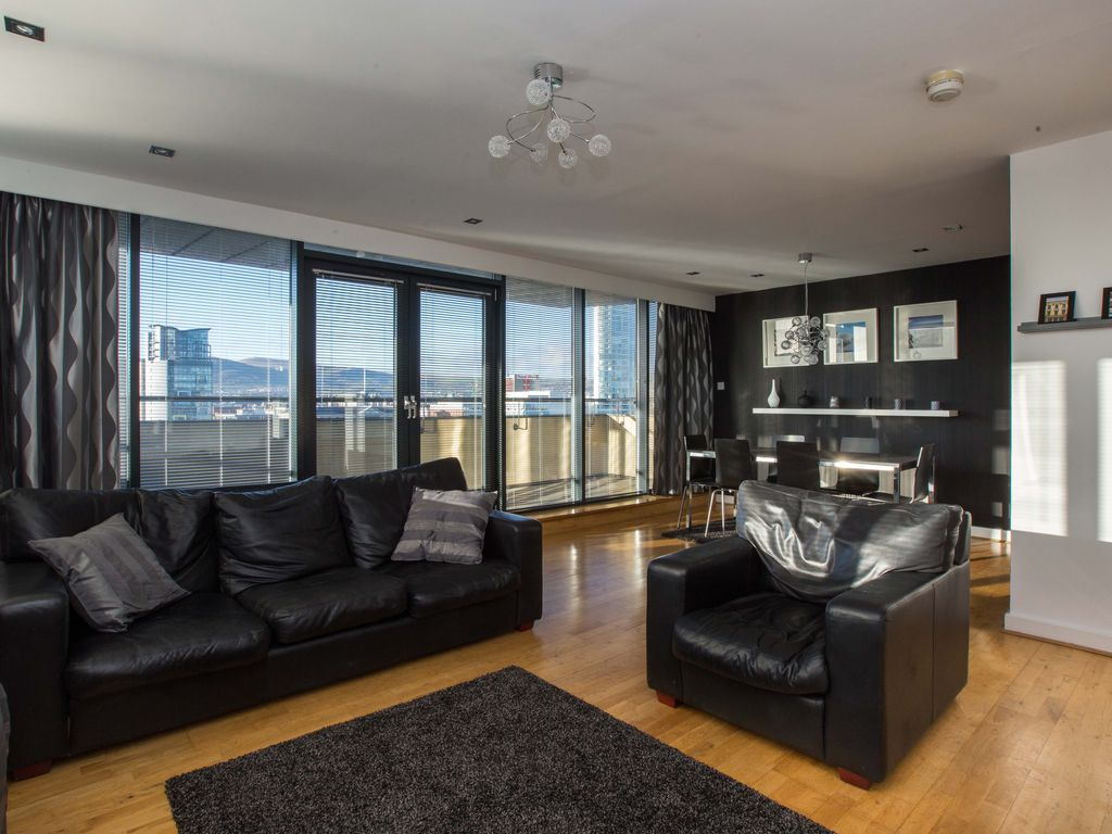 Great Belfast Apartment Rental   Large Spacious Living Area